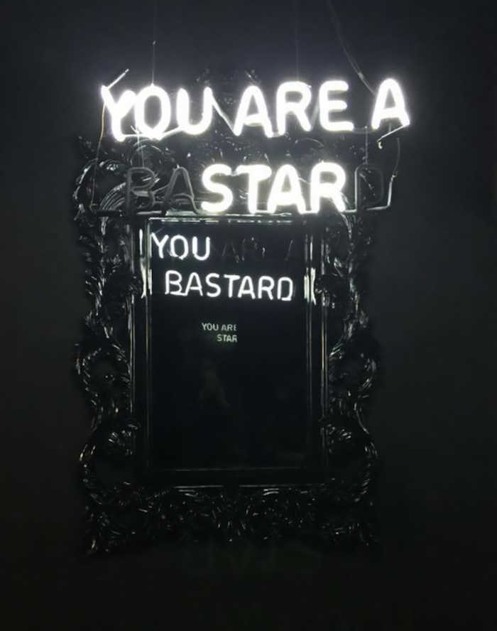 neon-mirror-messages-elmaaltshift-5