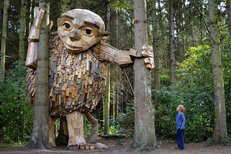 Giant Wood Sculptures-elmaaltshift-1