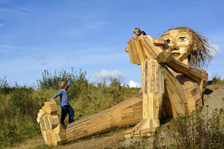 Giant Wood Sculptures-elmaaltshift-11