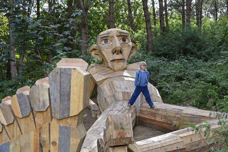 Giant Wood Sculptures-elmaaltshift-3